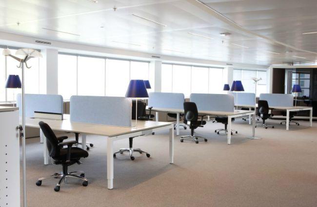 Bureauwanden verbeteren de kantoorakoestiek