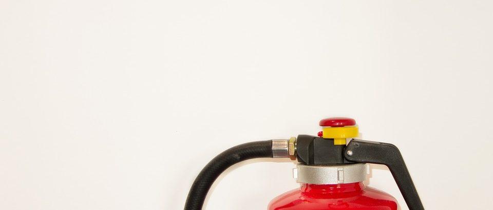 Een brandblusser aanschaffen voor je bedrijf? Hier moet je op letten.