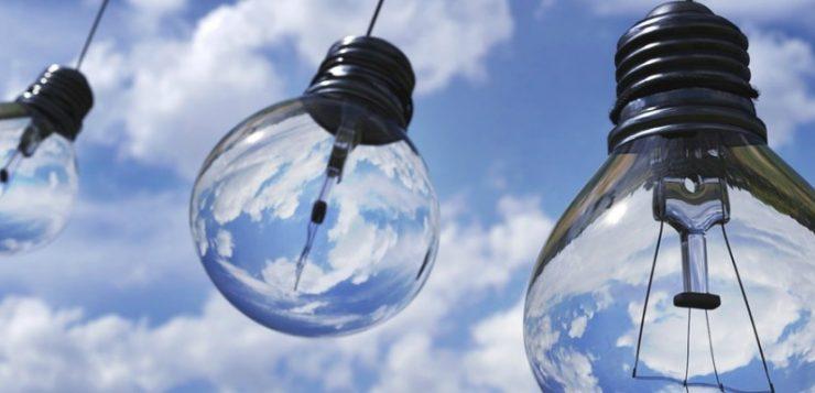 lampen in de lucht waarvoor elektra nodig is op kantoor