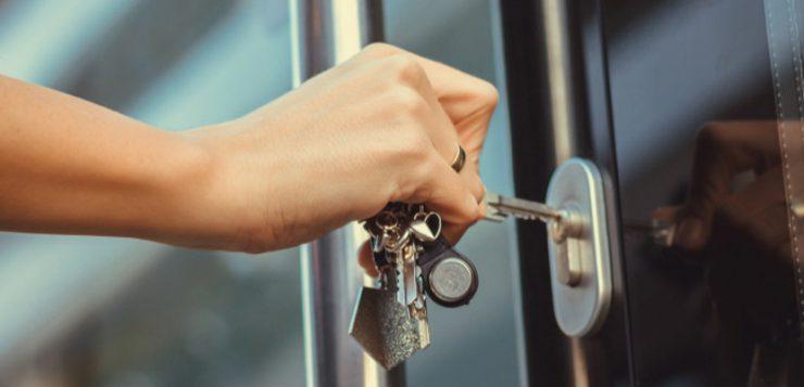 deurbeslag bedrijfspand